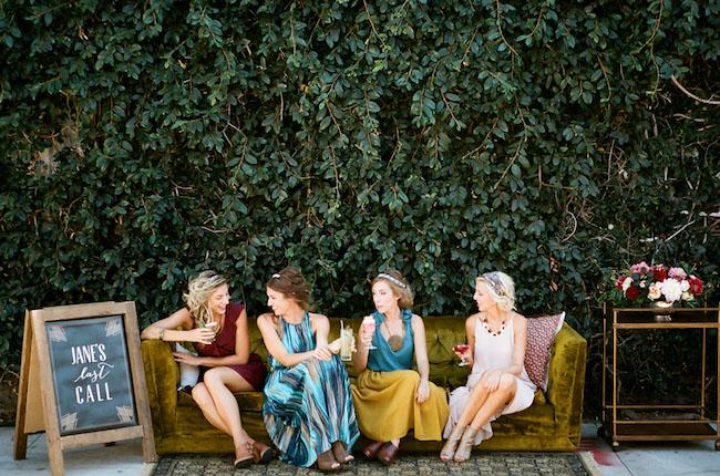 femei petrecerea burlacitelor